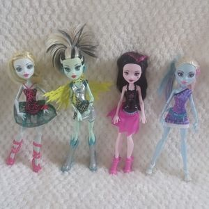 MONSTER HIGH Dolls Lot Of 4 W/ Shoes & Jewelry!